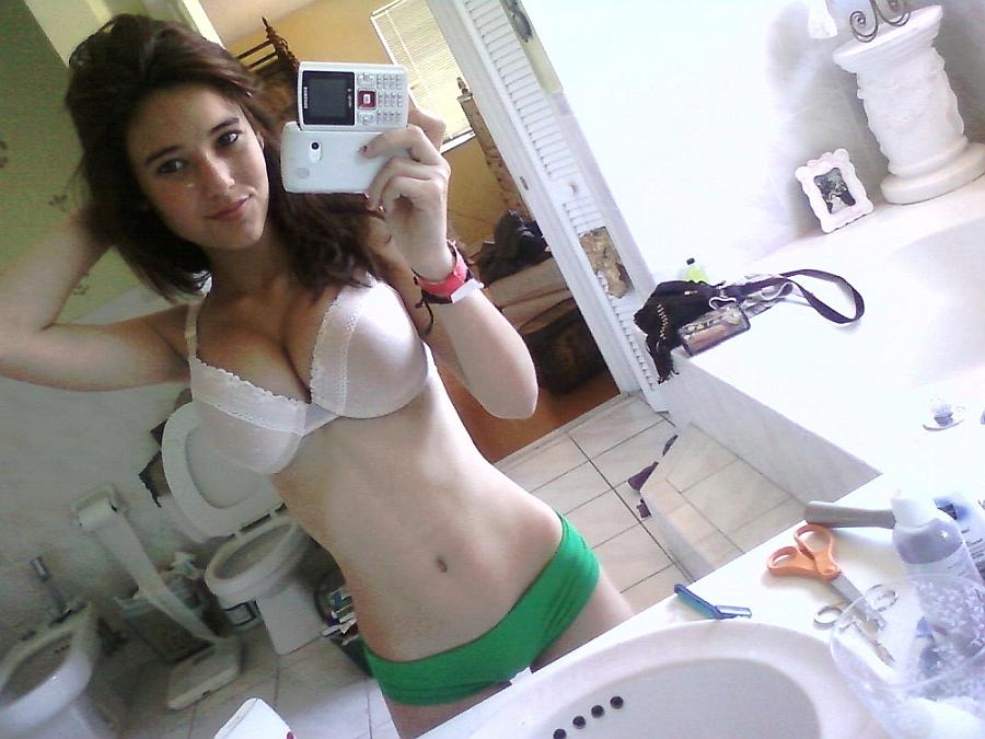 selfie_Angie Varona busty teen nude 18yo pussy tits tetas www.tetas-enormes.blogspot.com 10