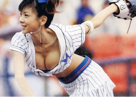 selfie_busty-baseball